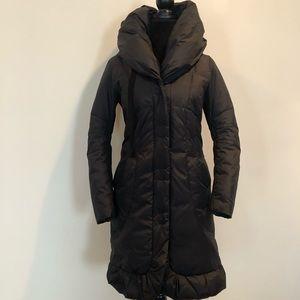Tahari down filled puffer coat in black
